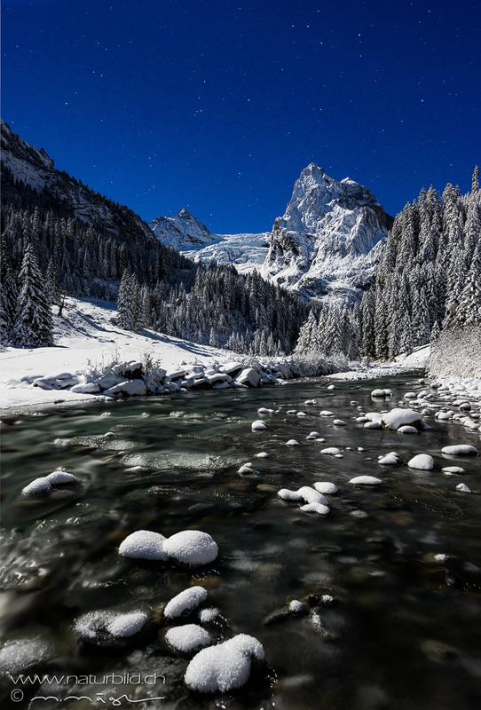 Rosenlaui Nachtaufnahme Winter
