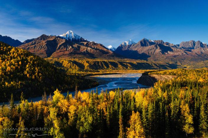 Alaska Herbst Fluss