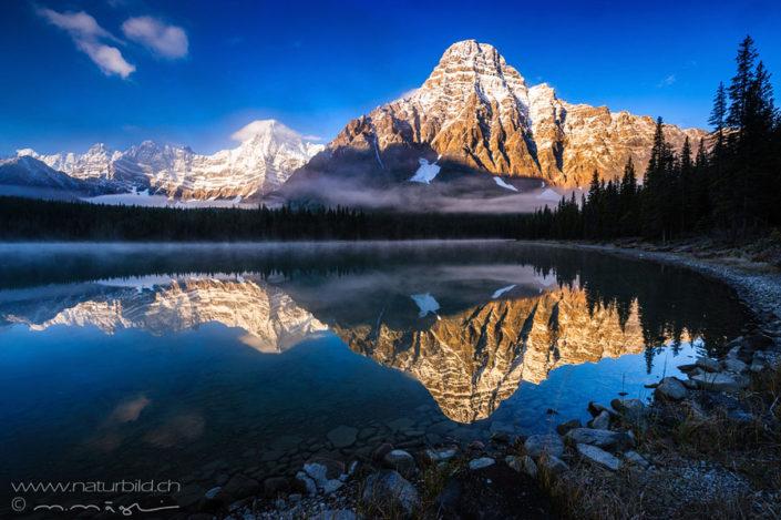Banff NP Berg Seespiegelung Winter