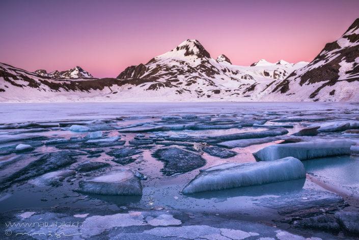 Wallis Bergsee Eisschollen