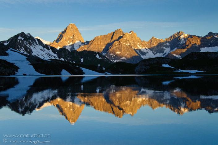 Lacs de fenetre Gipfel Spiegelung