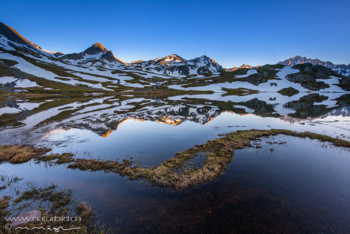 Lacs de fenetre Schneeschmelze Wallis