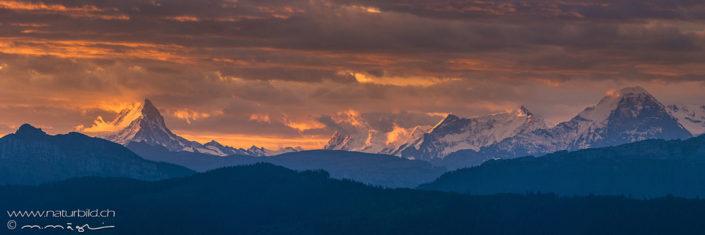 Bergpanorama Berner Oberland Sonnenuntergang