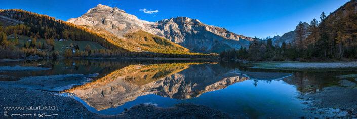 Panorama Berggipfel Herbst Seespiegelung