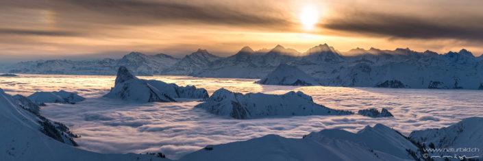 Bergpanorama Nebelmeer Winterlandschaft