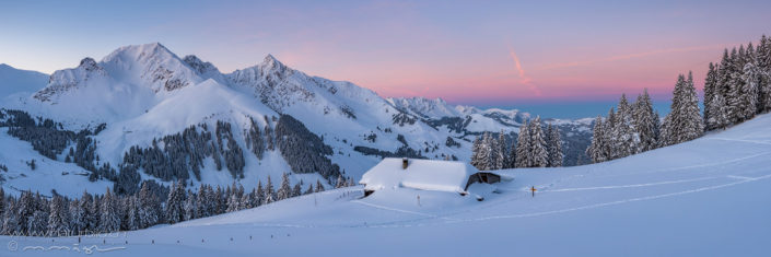Panorama Winterlandschaft Huette