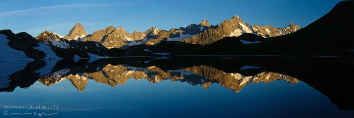 Bergpanorama Lac de Fenetre Seespiegelung