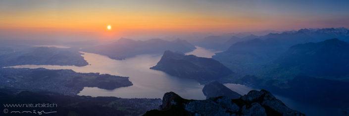 Panorama Vierwaldstaettersee Sonnenuntergang