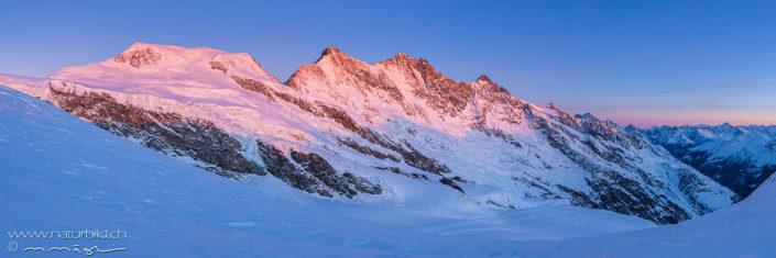 Panorama Saas Fee Berge im Abendrot