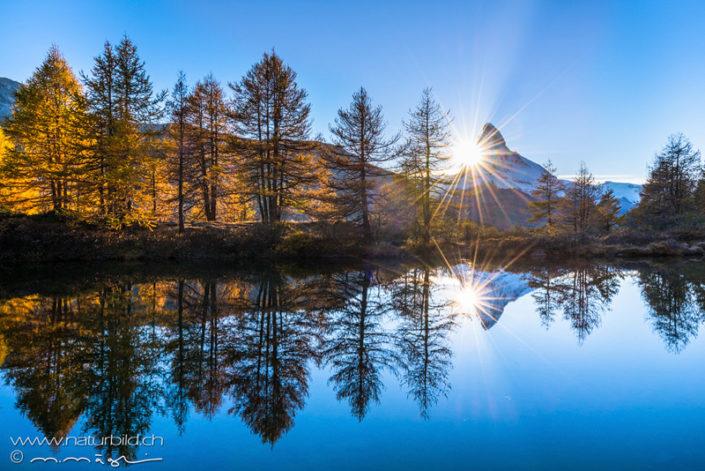 Matterhorn Spiegelung Sonnenstrahlen