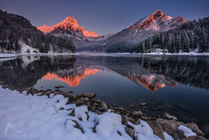 Obersee Glarus Schnee